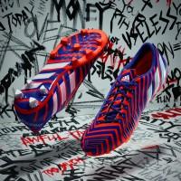 Predator Instinct Fuballschuh seite, sohle rot/blau Version 2015 von adidas