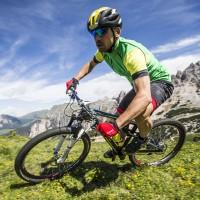Steffen Thum Mountainbike-Action in der ALP-X Pro Kollektion 2015 von GORE BIKE WEAR