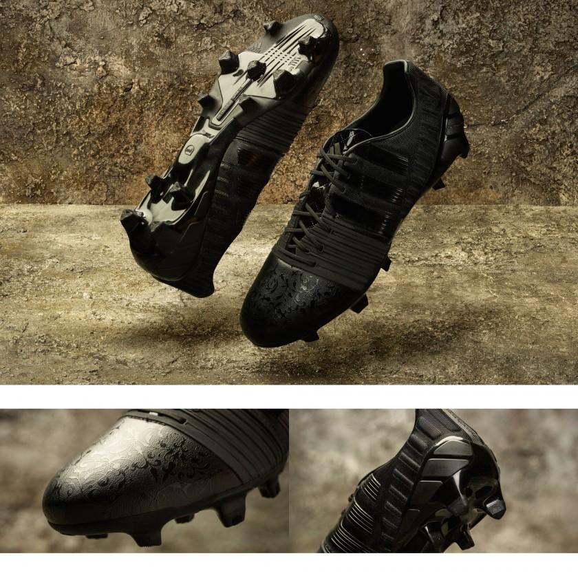 Nitrocharge 1.0 Black Pack Fußballschuh seite, sohle blau Version 2015 von adidas