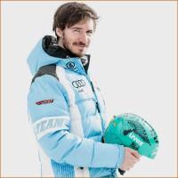Felix Neureuther mit seinem vom Knstler BLOK handbemalten einzigartigen Skihelm 2015 von uvex