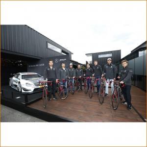 Mercedes-AMG DTM-Piloten mit ihrem R.S2 Team AMG ROTWILD Rennrad 2015