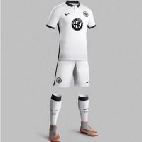 Eintracht Frankfurt Auswrts-Trikot, Shorts u. Socken Bundesliga-Saison 2015/16 von Nike
