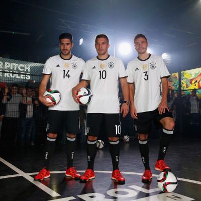 Lukas Podolski, Emre Can u. Jonas Hector im neuen DFB-Trikot fr die EM 2016 in Frankreich von adidas