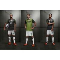 Ilkay Gndogan, Andre Schrrle u. Mesut zil im neuen DFB-Auswrtstrikot fr die EM 2016 in Frankreich von adidas