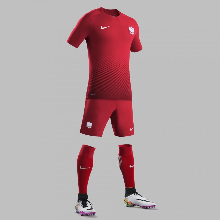 Polen Auswärtstrikot, Shorts u. Stutzen für die EM 2016 von Nike