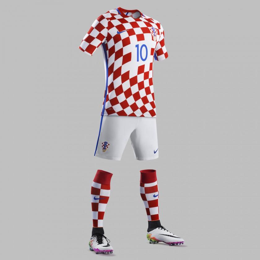 Kroatien Heimtrikot, Shorts u. Stutzen für die EM 2016 von Nike