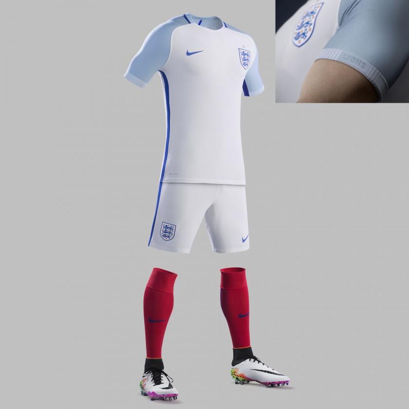 England Heimtrikot, Shorts u. Stutzen für die EM 2016 von Nike