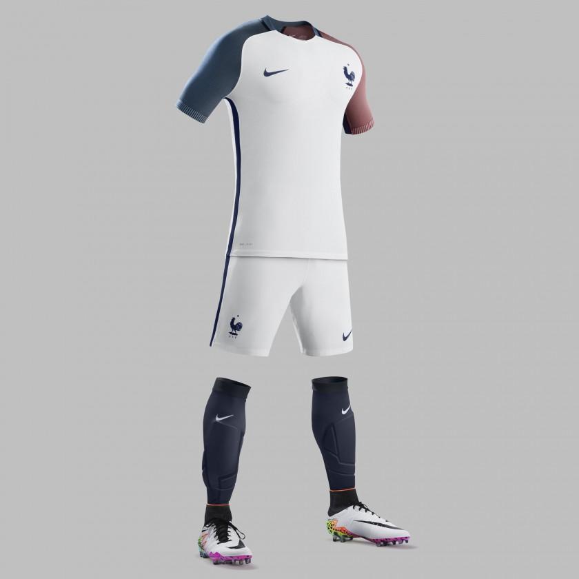 Frankreich Auswrtstrikot, Shorts u. Stutzen fr die EM 2016 von Nike