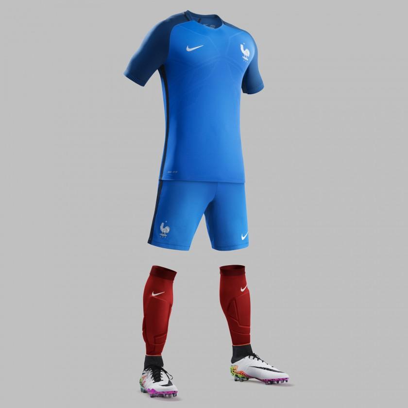 Frankreich Heimtrikot, Shorts u. Stutzen für die EM 2016 von Nike