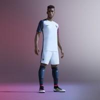 Kingsley Coman im Auswrtstrikot von Frankreich fr die EM 2016 von Nike