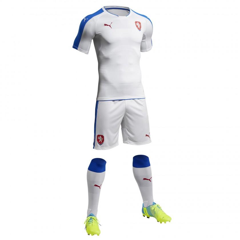 Tschechien Auswärtstrikot, Shorts u. Stutzen für die EM 2016 von Puma