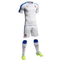 Tschechien Auswrtstrikot, Shorts u. Stutzen fr die EM 2016 von Puma