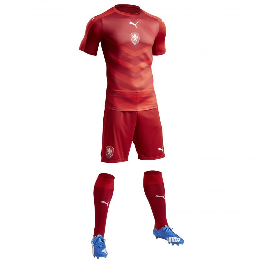 Tschechien Heimtrikot, Shorts u. Stutzen für die EM 2016 von Puma