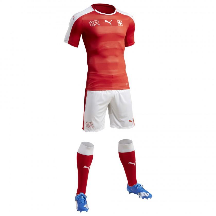 Schweiz Heimtrikot, Shorts u. Stutzen für die EM 2016 von Puma