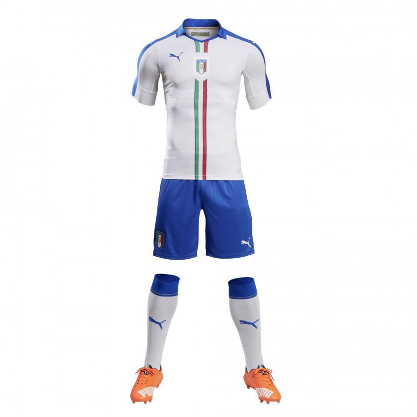 Italien Auswrtstrikot, Shorts u. Stutzen fr die EM 2016 von Puma