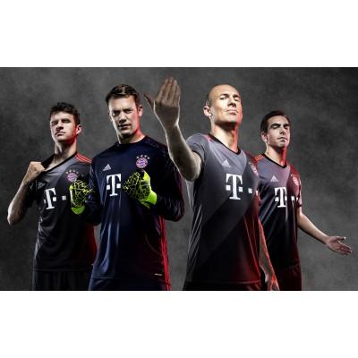 Mller, Neuer, Robben und Lahm im neuen FC Bayern Mnchen Auswrts-Outfit 2016/17 von adidas