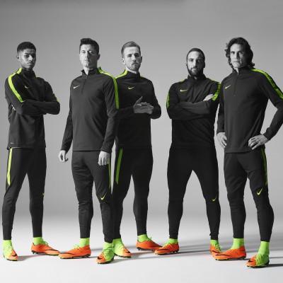 Marcus Rashford, Robert Lewandowski, Harry Kane, Gonzalo Higuain u. Edinson Cavani im Hypervenom 3 2017 von Nike