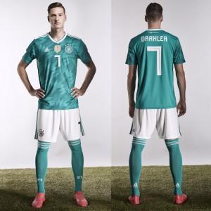 Julian Draxler im DFB-Auswärtstrikot von adidas für die WM 2018 in Russland