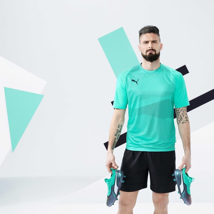 Oliver Giroud mit seinen ONE 1 Fußballschuhen für die WM 2018 von PUMA