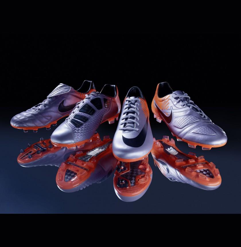 Nike Elite Serie mit den Schuhmodellen v.l. Tiempo Legend III, Total90 Laser III , Mercurial Vapor SuperFly II und CTR360 Maestri