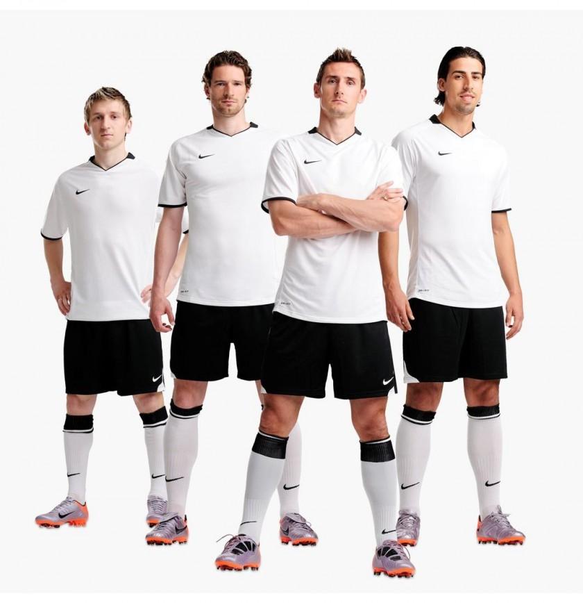 Marko Marin, Arne Friedrich, Miroslav Klose und Sami Khedira präsentieren die Elite-Serie von NIKE