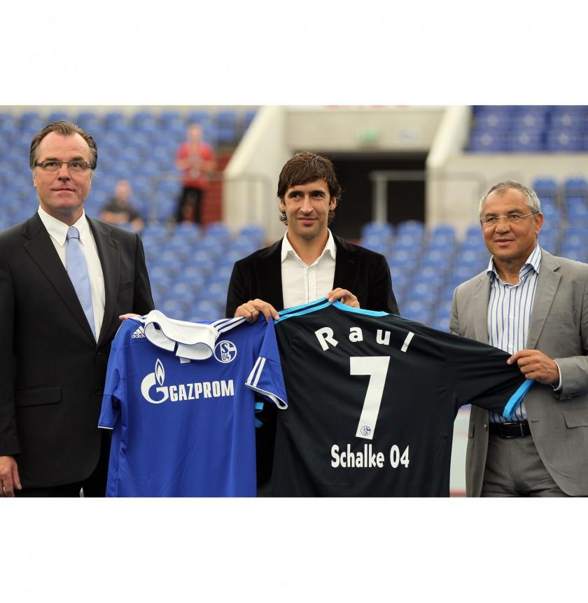 adidas: Das neue Auswrtstrikot des FC Schalke 04 fr die Saison 2010/11