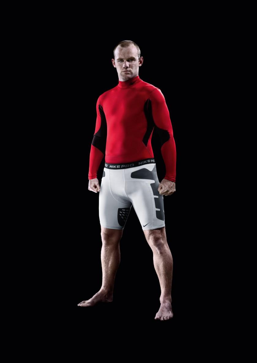 Wayne Rooney in der NIKE Pro Combat Fuball-Funktionsunterwäsche