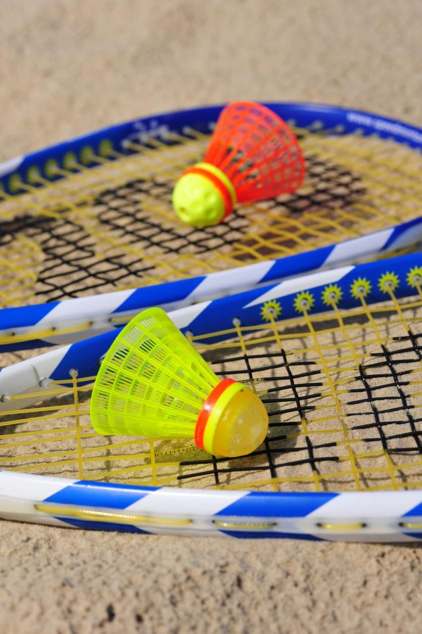 Die so genannten Speeder sind spezielle Hightech-Federbälle für die Sportart Speed Badminton