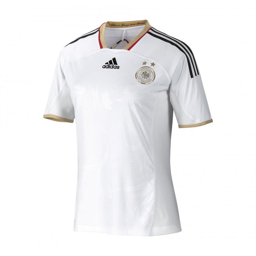 Heimtrikot der deutschen Frauen-Nationalmannschaft fr die Fuball-WM 2011