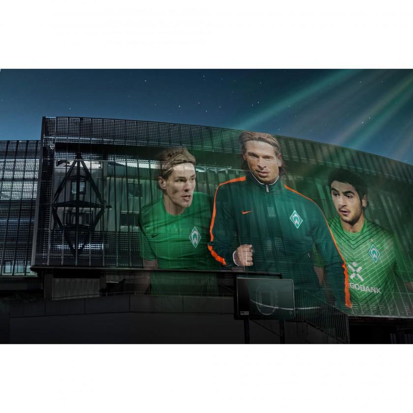 Clemens Fritz, Tim Wiese und Mehmet Ekici in den neuen Heim Outfits vom SV Werder Bremen 2011/12