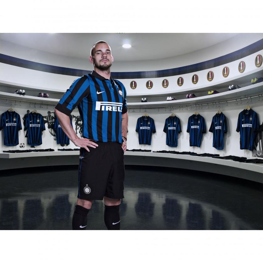 Wesley Sneijder von Inter Mailand im Nike Trikot der Saison 2011/12