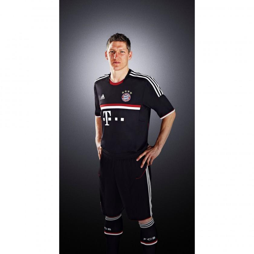 Bastian Schweinsteiger im International Outfit des FC Bayern München 2011/12