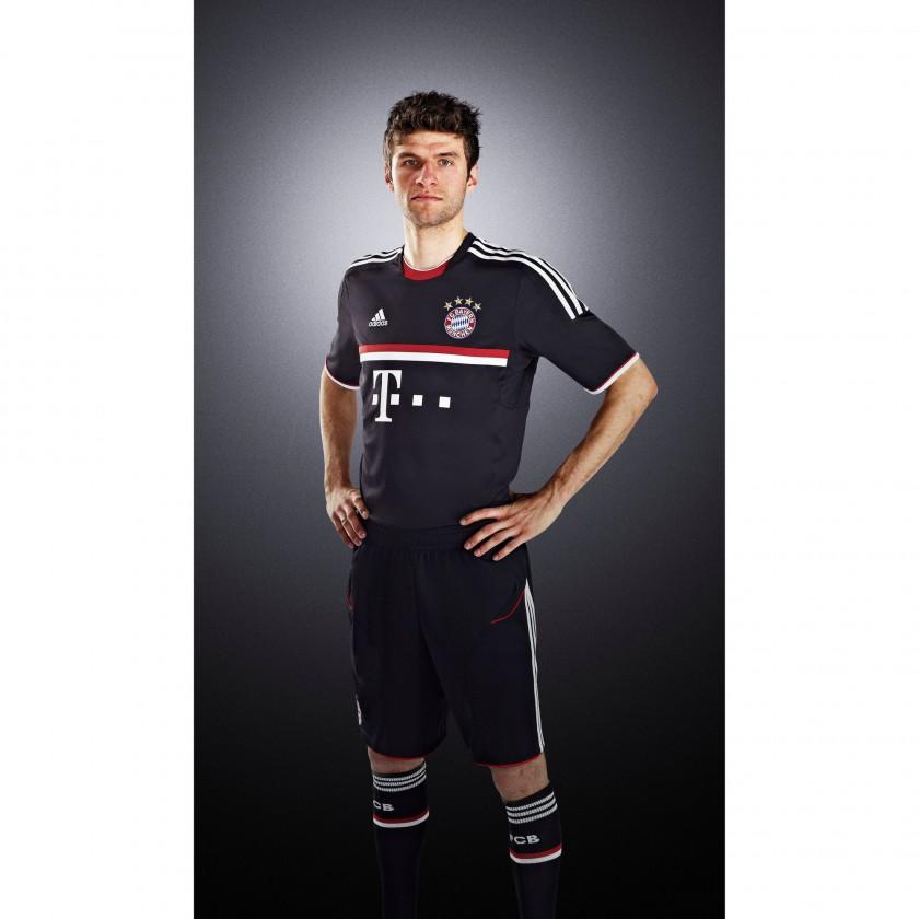Thomas Müller im International Outfit des FC Bayern München 2011/12