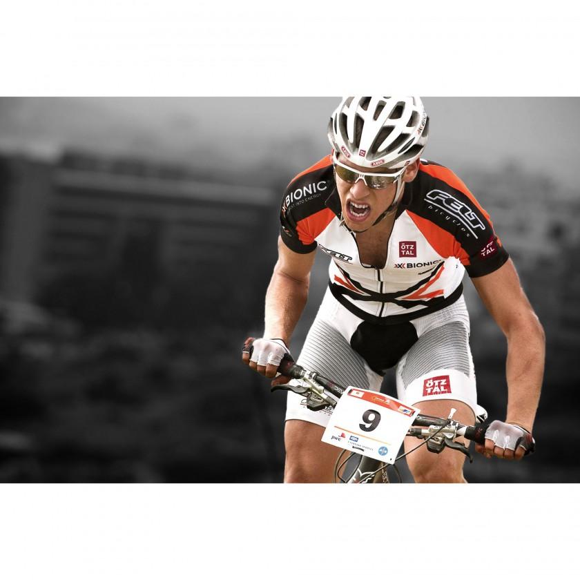 Bike Action: Thomas Litscher in Hightech Ausrüstung von X-BIONIC 2011