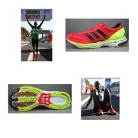 Patrick Makau luft mit seinen neuen adidas adizero adios 2 Weltrekord beim Marathon in Berlin 2011