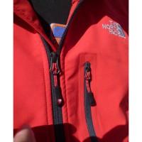 Kishtwar Jacket - Der wasserdiche Reiverschluss der Napoleon Tasche rechts