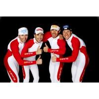 SV-Team der Nordischen Kombinierer in SKINS Suits