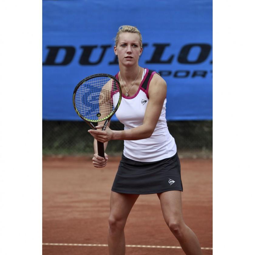 Dinah Pfitzenmaier - Deutsche Meisterin 2011 trgt DUNLOP Tenniswear.