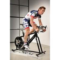 Andre Greipel auf einem SRM Indoortrainer mit NuVinci N360 Nabe