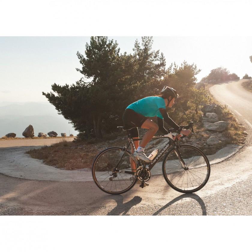 GT Bike Action im SS Viva Jersey 2012