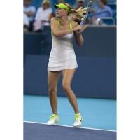Maria Sharapova im Nike Maria Statement Slam Dress und Lunar Speed 3 Tennisschuhen bei den Australian Open 2012