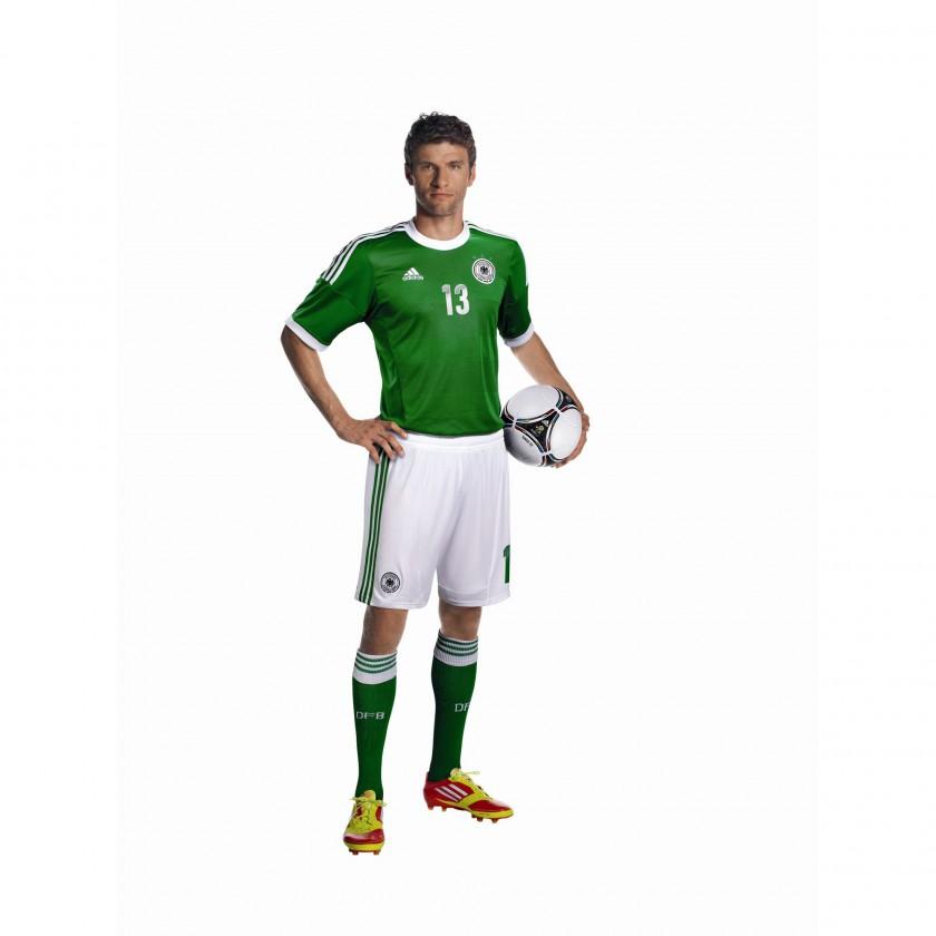 Thomas Müller im grünen Auswärtstrikot des DFB für die UEFA EURO 2012