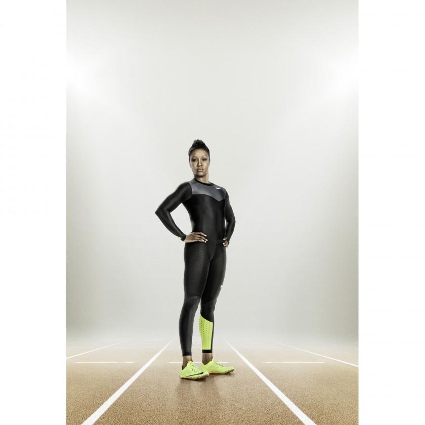 Carmelita Jeter im Nike Pro Turbospeed-Anzug und in Nike Zoom Superfly R4 2012