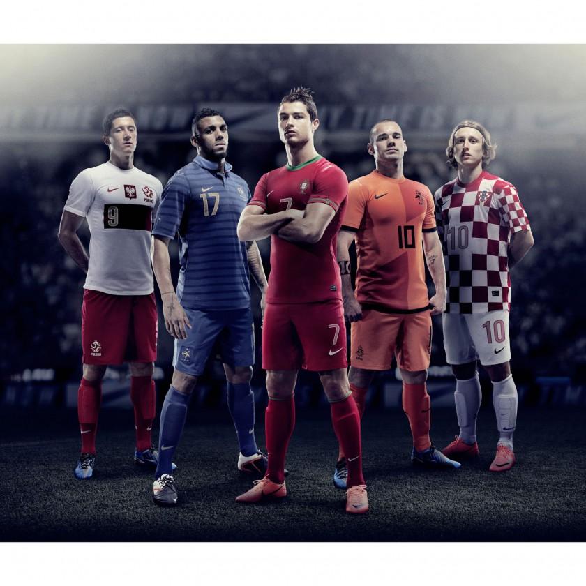 Nationaltrikots-Home-Sets 2012 mit R. Lewandowski, Y. MVila, C. Ronaldo, W. Sneijder, L. Modric