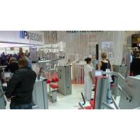 FIBO 2012: Motorisierte, isokinetische Kraftgertelinie 4E von gym80