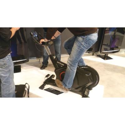 FIBO 2012: RACER S High-End-Speedbike mit Smartphone-Bedienung