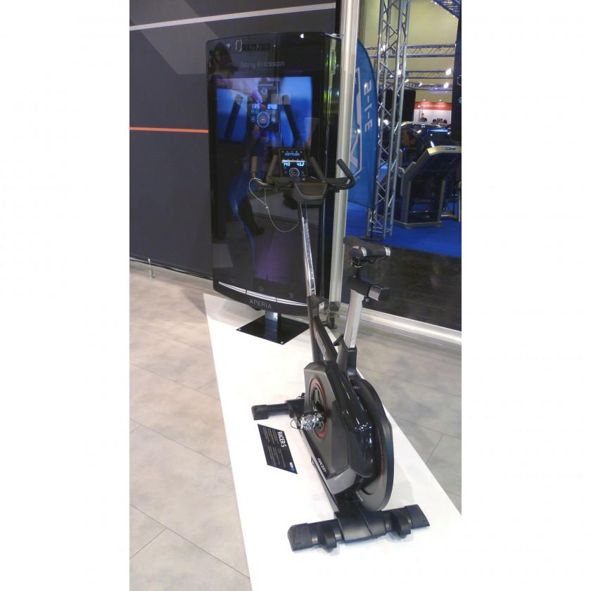FIBO 2012: RACER S High-End-Speedbike - Bedienung über Glaspanel mit Touchwheel