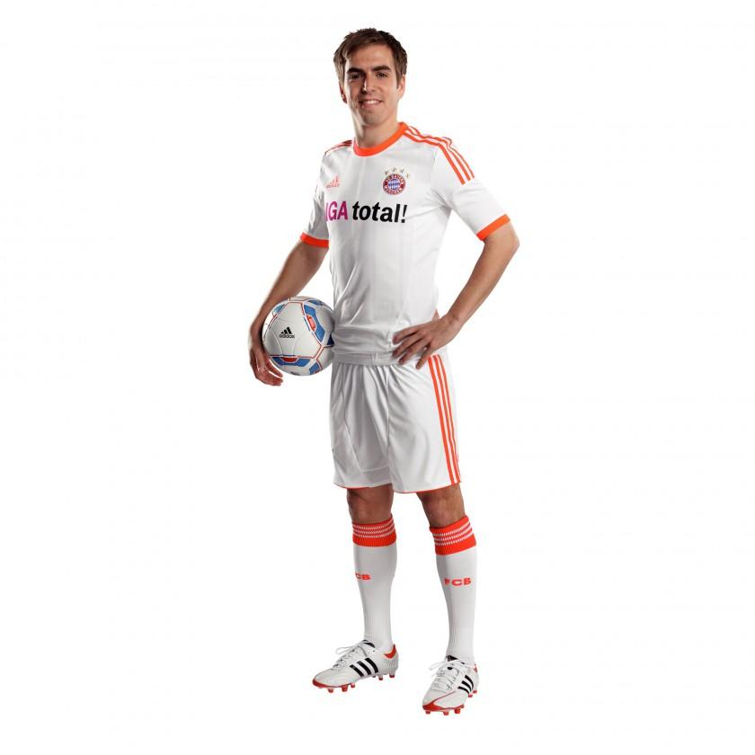 FC Bayern M�nchen: adidas Away-Trikot 2012/13 Philipp Lahm