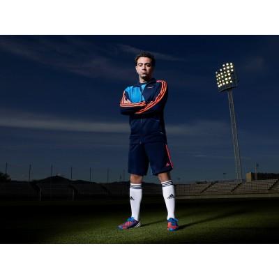 adidas Predator Lethal Zones 2012: Xavi prsentiert seinen neuen Fuballschuh