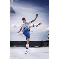 Mario Gomez Action in seinem neuen evoSPEED 1 Fuballschuh 2012